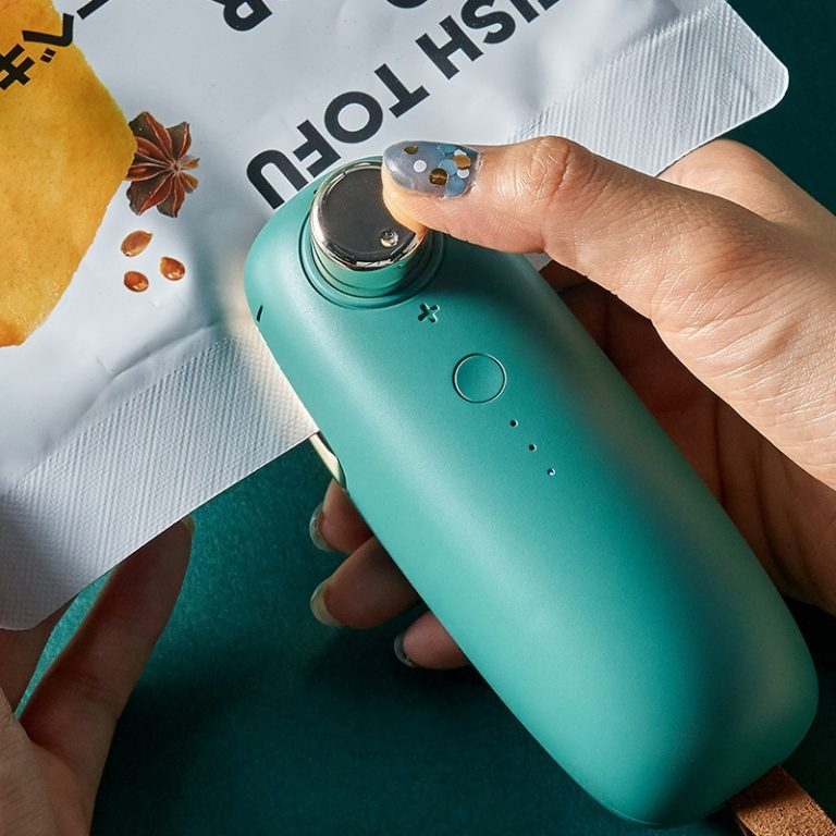 USB Charging Portable Heating Plastic Bag Sealing Food Saver Machine Cordless Handheld Mini Food Sealing Machine 1 / Shop Social Online Store